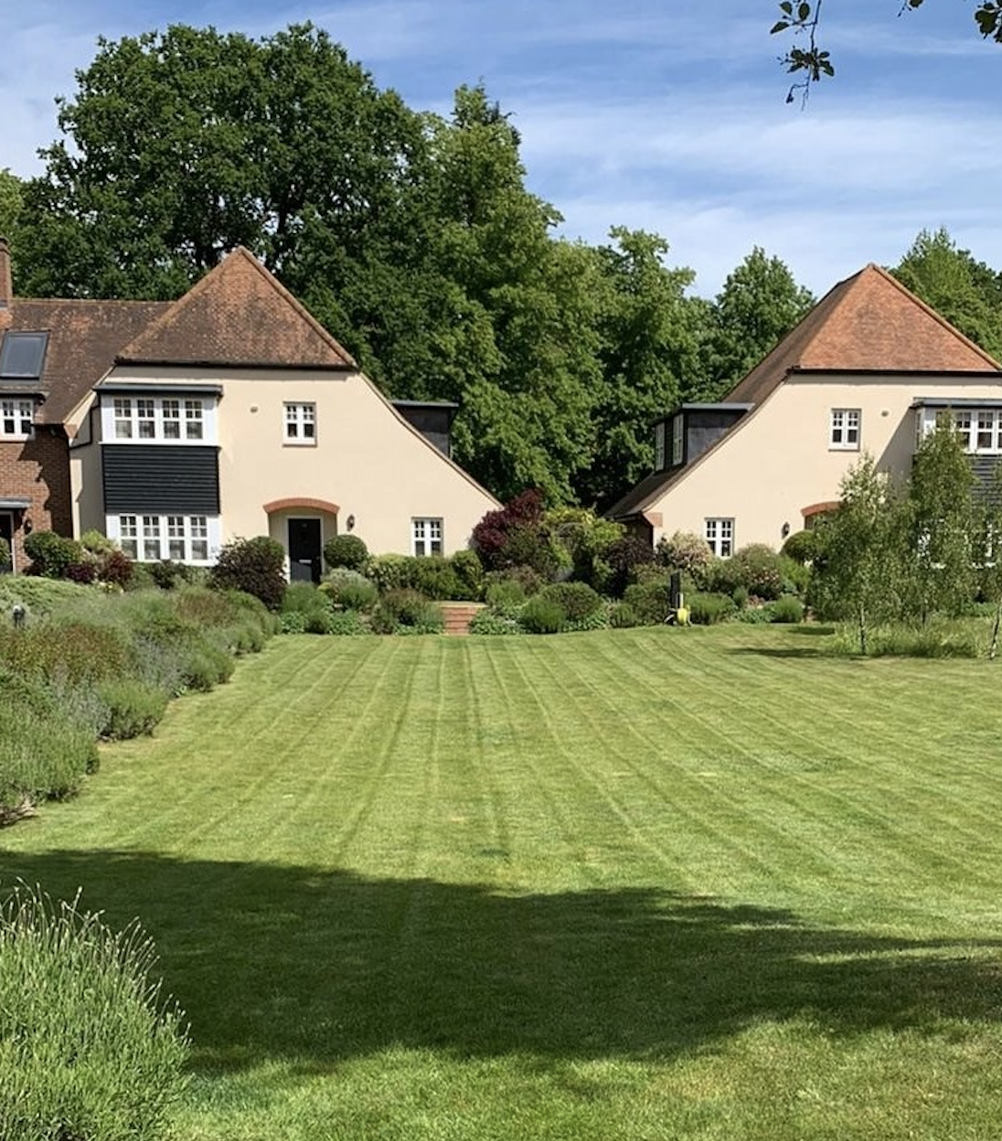 Lawn Maintenance Surrey, Berkshire, Hampshire